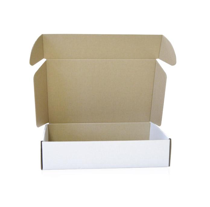 Картонная коробка белая с ушками 294х187х72