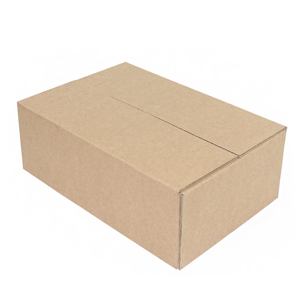 Белая четырехклапанная коробка 415x330x240